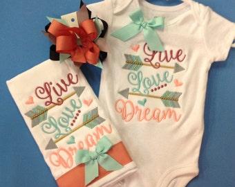 Live, love, dream onesie set