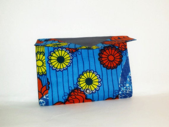 Colorful Lila Print Clutch
