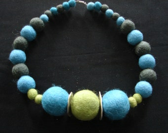 "Necklace ""Bleu note"""