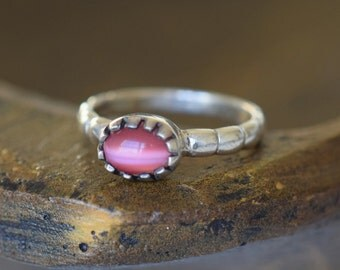 Pink Tiger Eye Solitaire Vintage 925 Silver Ring, US Size 7.5. Used
