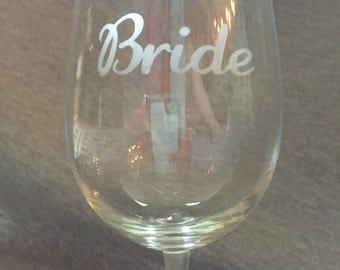 personalized etched wine glasses