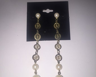 Vintage Gold Tone and Pearl Pierced Earrings