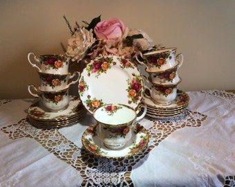 Royal Albert Old Country Roses 1st Quality Cup, Saucers & Side Plate Trios x1 of each