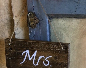 Mr and Mrs hanging sign
