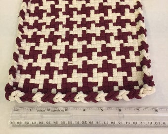 Maroon and White (Pot Holders)
