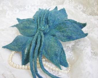 felting necklace,wool felt flower,barrette lily for hair,vilten,turquoise flower,hair ornament,barrette felted,Jewellery hair,Handmade