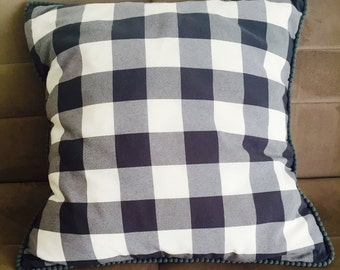 Zipped pillow cover