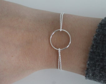 circle - thin silver bracelet with between the circle
