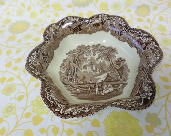 "Vintage Masons ""Vista"" Patent Ironstone Serving dish/sweet dish"
