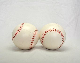 2 Mystery Gender Reveal Baseballs ( Have someone let us know gender choice - no marking on package or balls )