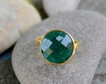 Natural Faceted Emerald Ring -Emerald Gemstone Gold Ring -9K,14K,18K Yellow Gold Ring -Solid Gold Ring- Birthstone Gift Gold Ring
