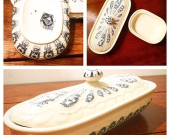 Lot of two former SOAP Dish porcelain English.