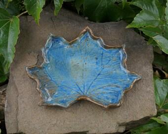 Ceramic Leaf (stand)