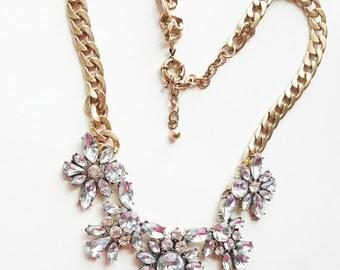 Crystal statement necklace//Vintage style bib necklace//gold statement necklace//chunky statement necklace
