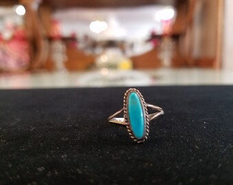 Vintage Small Turquoise Native American Ring Size 5 1/4
