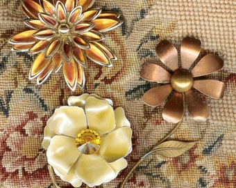 3 VINTAGE 1960's Flower Pins Brooches