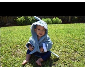 Shark robe size 0-24 months