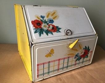 Vintage 1950s Yellow Bread Box. Kitchenalia