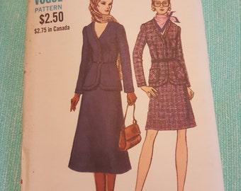 Vintage Vogue#7884 SIZE 14 UNCUT