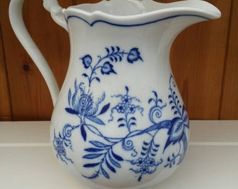 ZWIEBELMUSTER blue and white pottery jug 1970s/blue and white water pitcher/Czech pottery/blue onion design/ships worldwide from UK