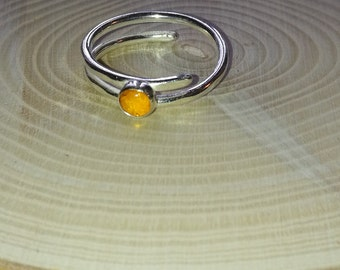 Sterling silver and Amber gemstone contemporary twist ring, Forest Jewellery, nature lovers, Valentine gift for her