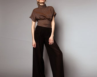 Wide leg trousers with folds turning into belt loops