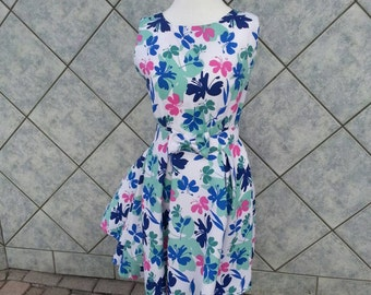 Vintage 1960's Floral Pleated Dress