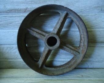 Old metal wheel - Farmhouse decor - Vintage metal wheel - Metal pulley wheel - Rustic decor, Industrial decor, Steam Punk wheel, Rusty wheel