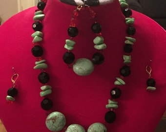 Green Turquoise Brilliant Set- Necklace Bracelet Earrings. Rich Red and Black beads Contrast.