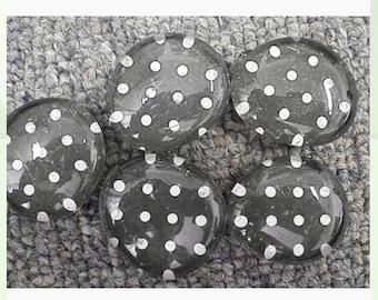 Polka dot glass magnets