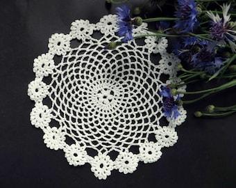 Hand crocheted vintage doily, white crochet coasters, vintage doilies, lace crochet doily