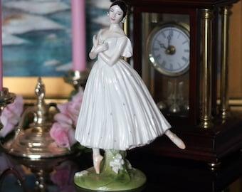 English porcelain Coalport Dame Alicia Markova Royal Academy Of Dancing Collection Ballet Figurine