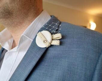 Off White Textured Lapel Pin with Diamanté
