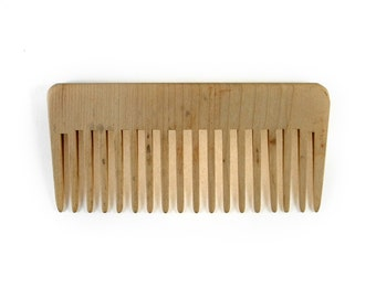 Linear wooden tooth comb high
