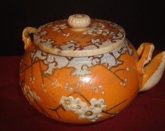 attractive chinese tea pot