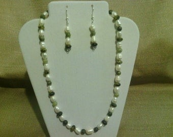 385 Beautiful Freshwater Pearls, Serpentine Beads and Jungle Jasper Beaded Choker