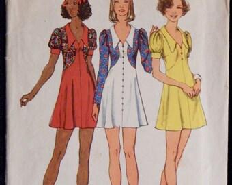 Vintage Juniors' and Misses' Short Dress Pattern Simplicity 5499 Retro 1970's Size 10