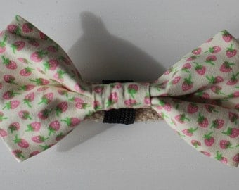 Strawberries and Cream Dog Bow Tie