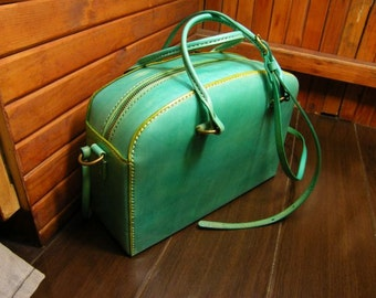 Cross body bag/ purse/Light green leather /cross body purse/free shipping