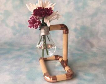 Single light bulb flower vase / wood and copper / light bulb