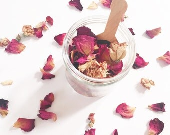 Rose Bathing Flowers // romantic floral bath soak // rose bath tea // natural and vegan bath products // spa and relaxation // gifts for her