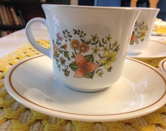 Vintage Corelle Indian Summer Cups and Saucers (4) - Free Shipping
