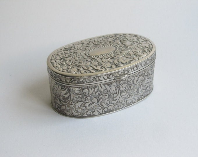 Vintage jewellery box, trinket box, general storage case, embellished embossed silver metal box, empty cartouche, housewarming gift idea