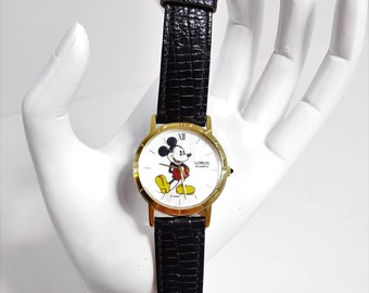 Vintage Disney Mickey Mouse Watch // Lorus by Seiko // V811-1400 // Gift for her // Gift for Him // Gift Idea