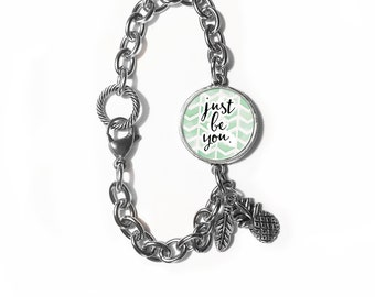 Bracelet with pendant and charms - Just be you