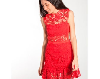 Dress of lace red with transparencies