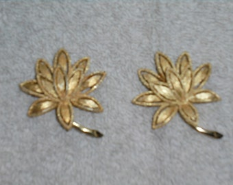 Vintage Avon Gold Tone Leaf Brooches (2) 1960s