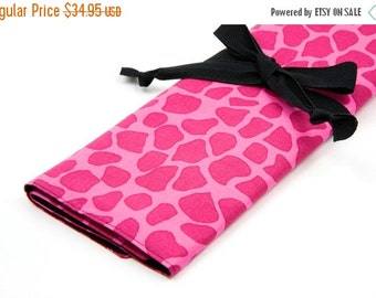 Sale 25% OFF Large Knitting Needle Case - Pink Giraffe with 30 black pockets for straights, circular, double pointed or paint brushes