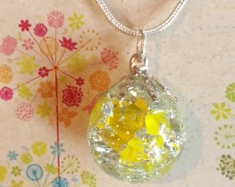 Yellow  marble  burst necklace