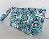 Turquoise retro squares wristlet  makeup bag  medium size  cosmetic purse  clutch purse  zipper pouch